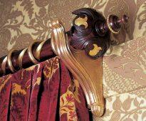 Красивые деревянные карнизы с элементами декора