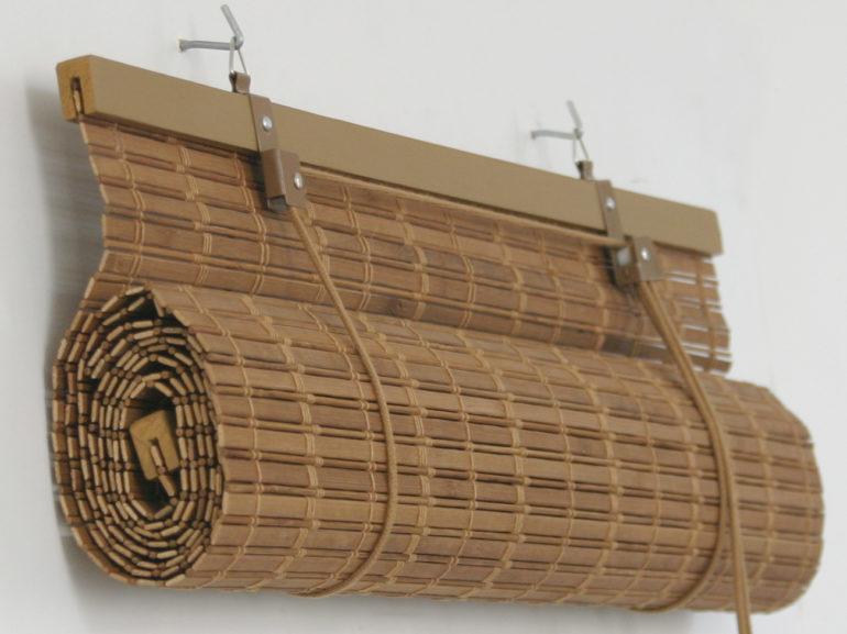 Бамбуковая штора из планок на двух крючках