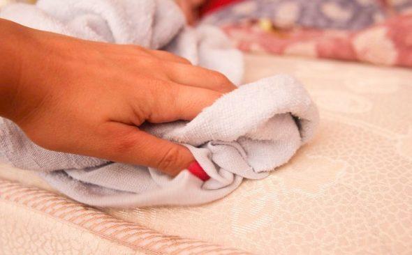 Накрываем чистой тканью