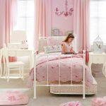 Нежные розовые шторы в спальню девочки