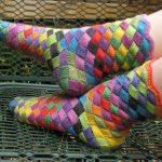 Носки на ногах вязанные