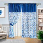 Оригинальная бело-синяя штора с голубыми птичками