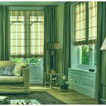 Полосатые римские шторы в проеме окон