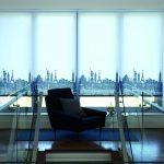 Дизайн офиса с рулонными шторами