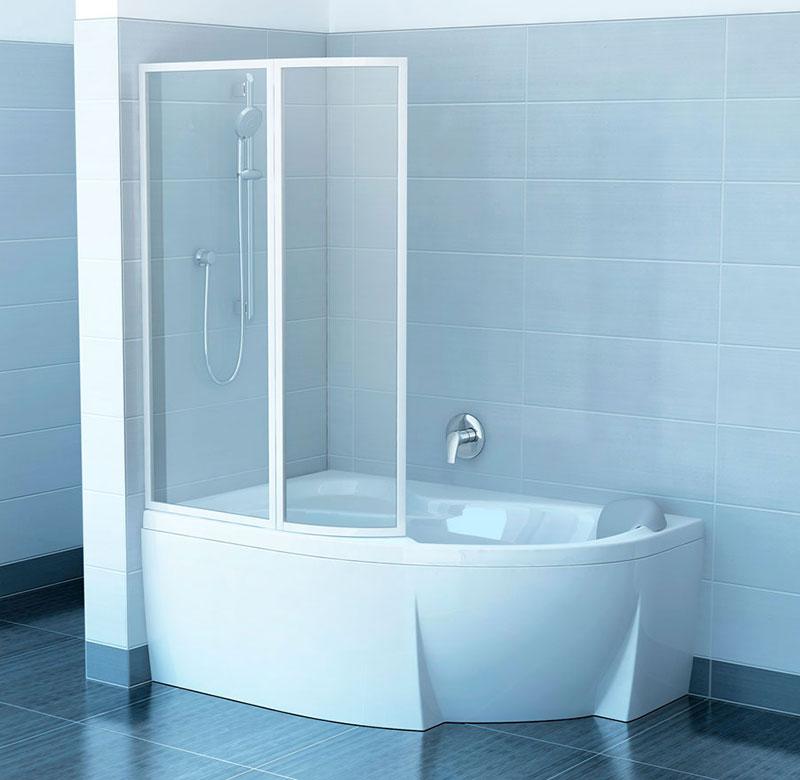Прозрачная шторка из поликарбоната на угловой ванне
