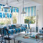 Яркий текстиль в интерьере гостиной
