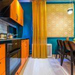 Дизайн кухни с желтыми занавесками