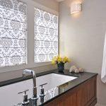 Рулонные шторы в ванную с креплением на раму