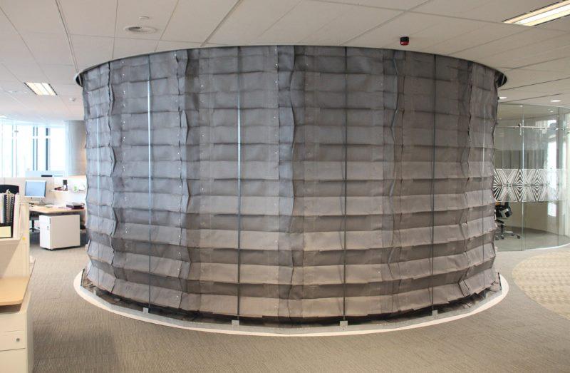 Противопожарные шторы в офисном помещении