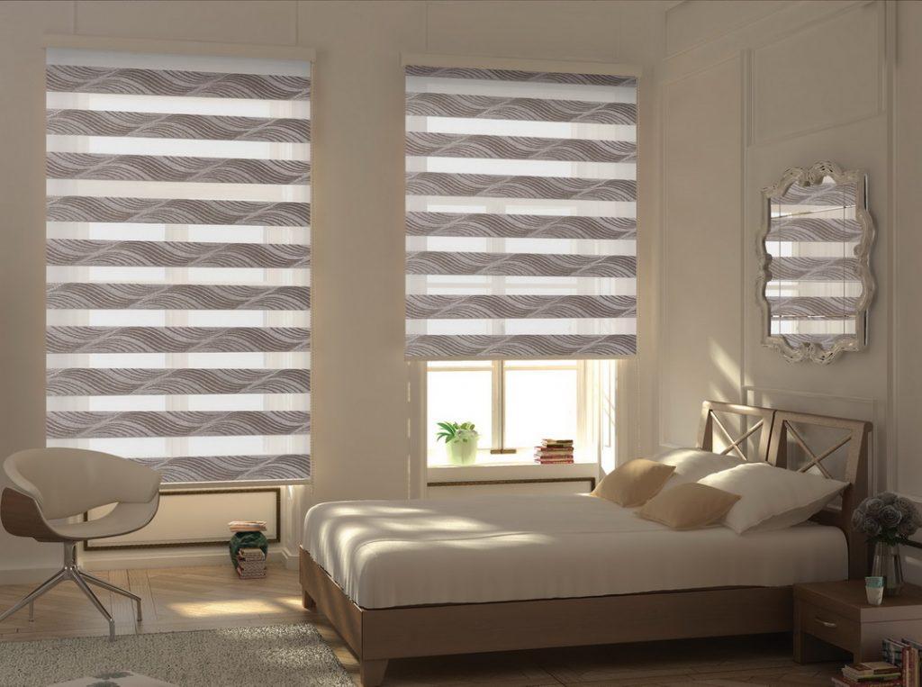Рулонные шторы с рисунком в интерьере спальни