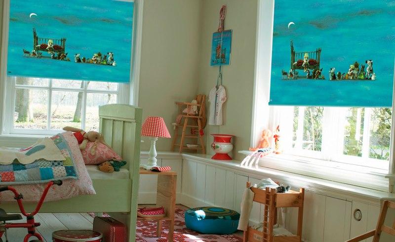Фотопечать на рулонных шторах в детской комнате