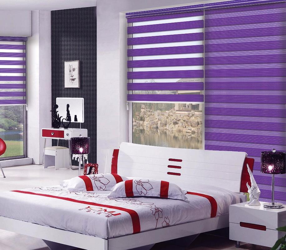 Фиолетовые полосы на рулонных шторах