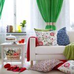Сочные зеленые шторы - яркий акцент в интерьере