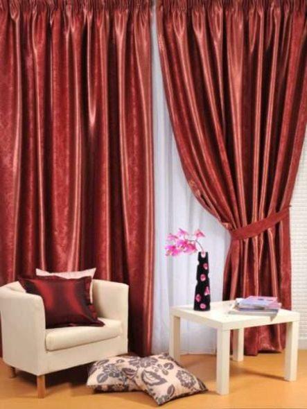 Бордовые шторы для современных интерьеров
