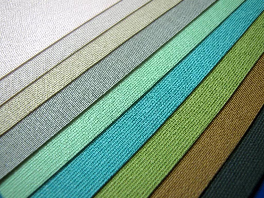 Разноцветные ткани для изготовления рулонных штор