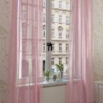 Тонкие легкие розовые занавески