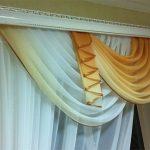 Трехрядный настенный карниз для шторы с ламбрекеном