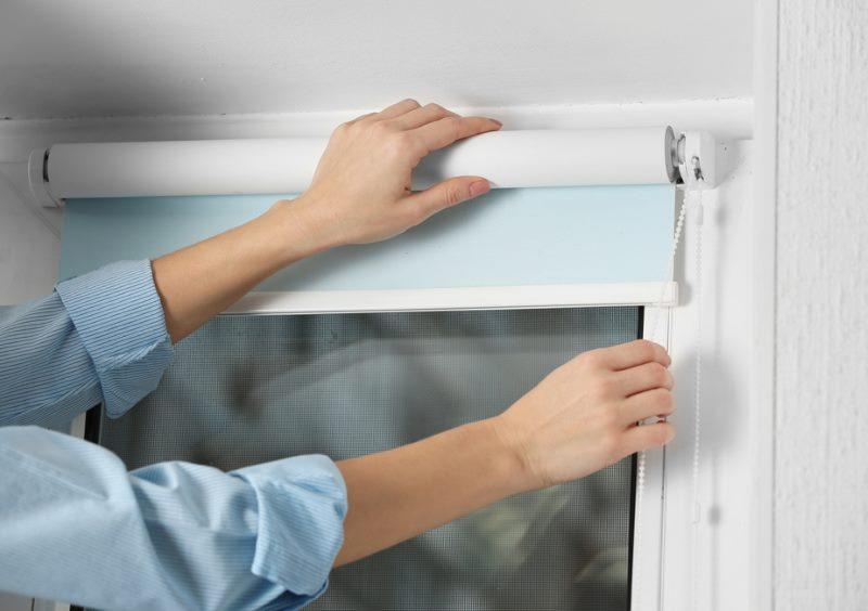 Установка рулонной шторы своими руками на ПВХ-окно