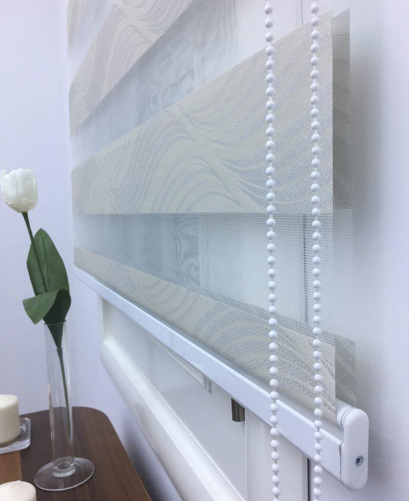 Устройство рулонной шторы типа зебра