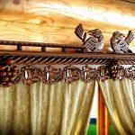 Деревянный карниз с резьбой ручной работы
