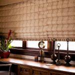 Каскадные шторы в кабинете на огромном окне