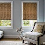 Классические рулонные шторы в гостиную