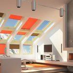 Дизайн гостиной с камином на чердаке частного дома