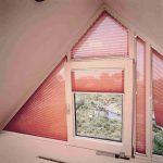 Шторы гармошка на треугольных окнах