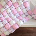 Мягкое и приятное одеяло в розовых тонах