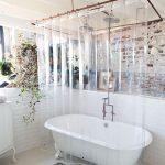 Прямоугольный карниз для ванной бронзового цвета