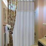 Распорный карниз для ванной