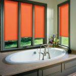 Роликовые шторы оранжевого цвета для ванной