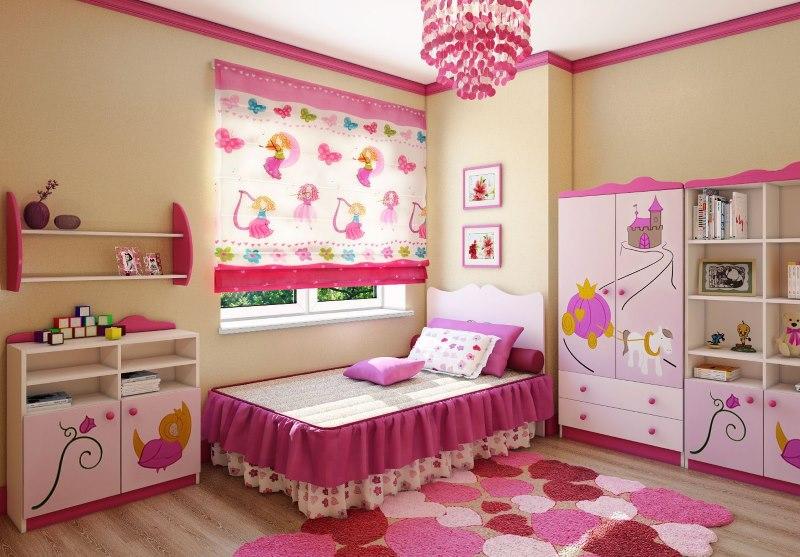 Полупрозрачные шторы на окне детской для девочки