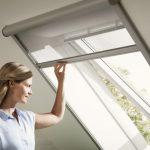 Мансардное окно с рулонной шторой