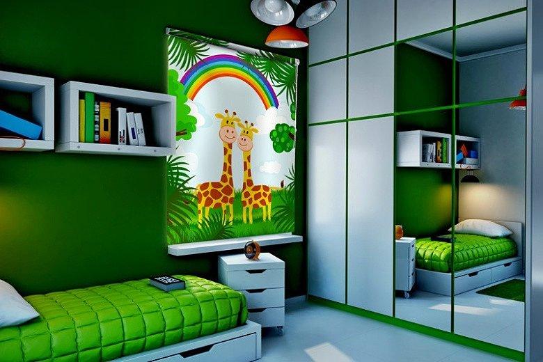 Жирафы на рулонной шторе в детской комнате
