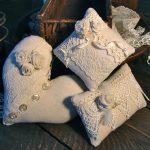 Декоративные подушки разной формы ручной работы