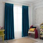 Темно-синие занавески из бархатной ткани