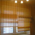 Оформление пластикового окна двойными шторами
