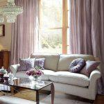 Удобный диван с текстильной обивкой