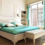 Дизайн спальни с большими окнами