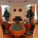 Интерьер кабинета в деловом стиле