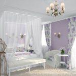 Балдахин из белого тюля над кроватью супругов