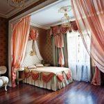 Декорирование текстилем спальни в частном доме