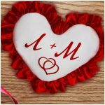 Именная подушка-сердце, украшенная рюшами