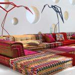 Комната в восточном стиле с напольными подушками