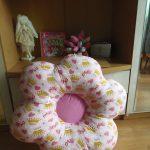 Красивая девочковая подушка-цветок
