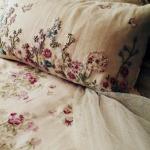 Красивые подушки с ручной вышивкой в стиле прованс
