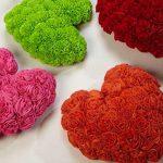 Красивые подушки в форме сердца из самодельных цветов