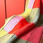 Красивый и прочный плед для кресла