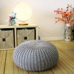 Круглый пуф для удобного сидения на полу